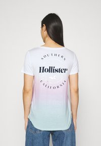 Hollister Co. - SSEASY CORE - Print T-shirt - wash - 2