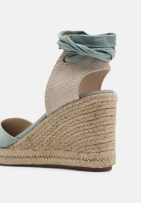 mtng - LOUISA - Platform sandals - menta/natural - 5