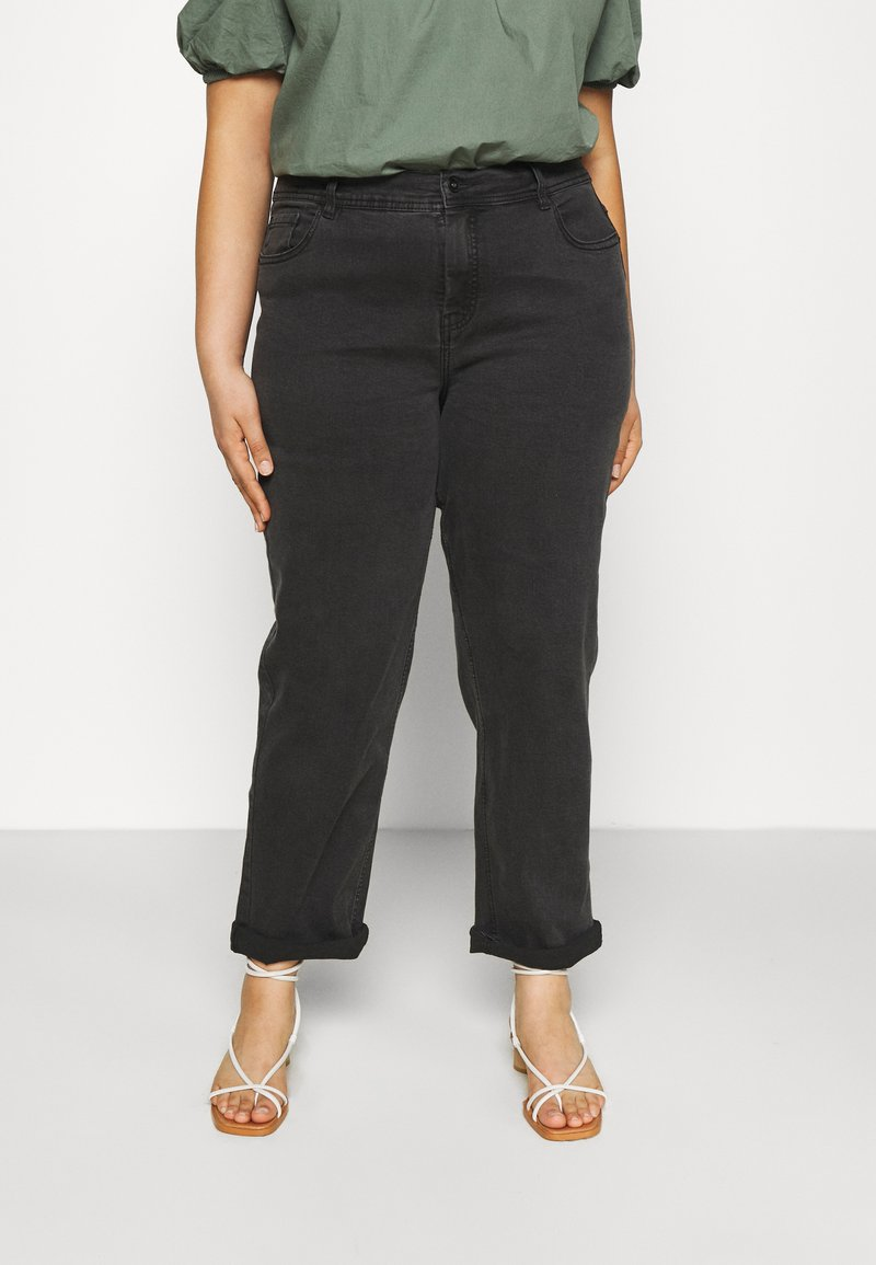 CAPSULE by Simply Be - BOYFRIEND - Jeans relaxed fit - washed black