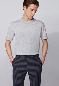 BOSS - IMATTEO - T-Shirt basic - open grey - 0