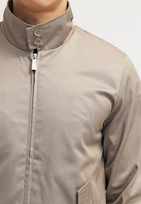 HARRINGTON - HARRINGTON - Bomber bunda - beige