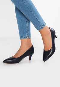 Clarks - LINVALE JERICA - Classic heels - navy - 0