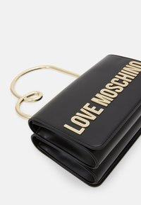 Love Moschino - Handbag - nero - 6