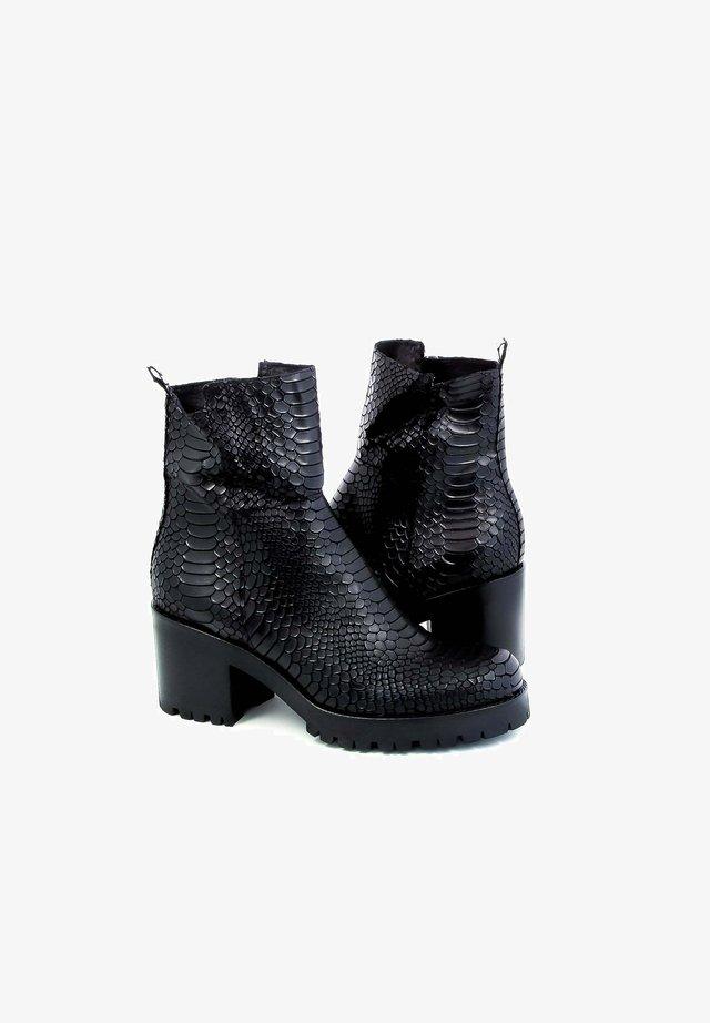 PIABLO - Korte laarzen - black