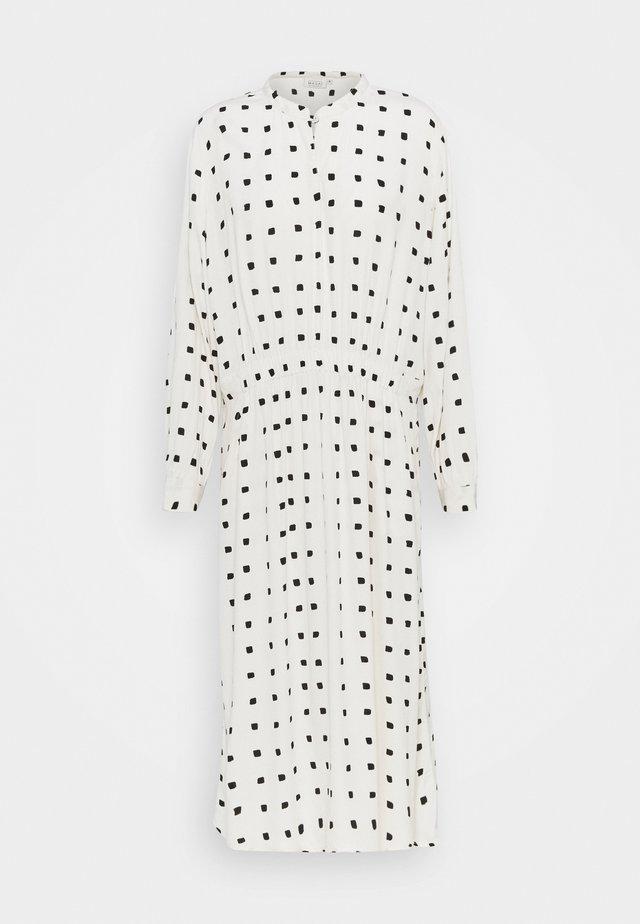 NISSA - Vestido camisero - whitecap