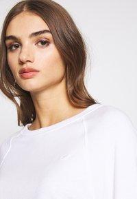 Hollister Co. - ICON CREW - Sweatshirt - white - 4