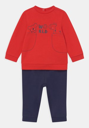 SET UNISEX - Tracksuit - red/blue