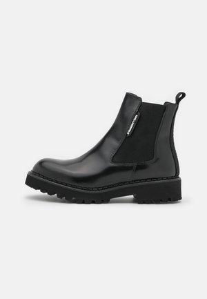 TROUPE GORE BOOT - Platåstøvletter - black