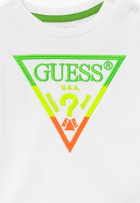 Guess - Camiseta estampada - blanc pur - 3