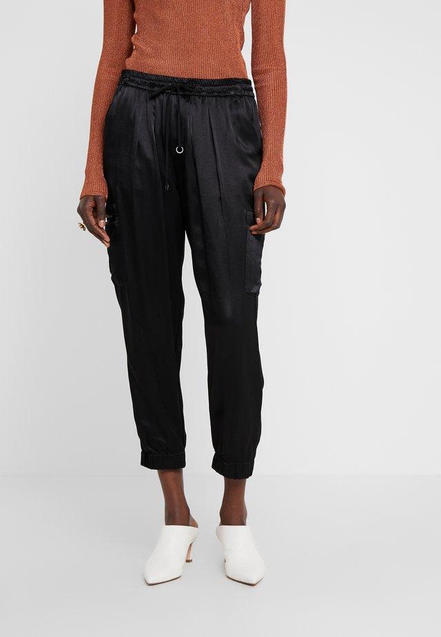 PAZ PANT ELASTICIZED WAISTBAND - Spodnie materiałowe - black
