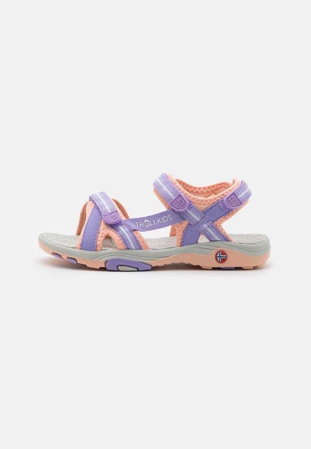 GIRLS PREIKESTOLEN - Sandales de randonnée - lavender/apricot