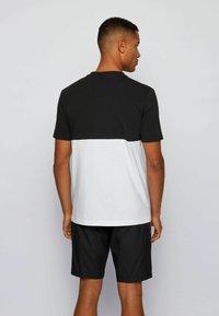 BOSS - TEE  - Print T-shirt - black - 2