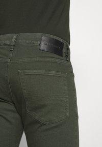 Diesel - LUSTER - Slim fit jeans - green - 5