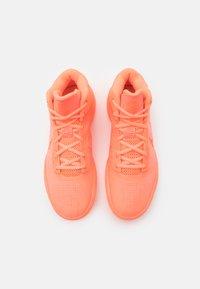 Nike Performance - KYRIE FLYTRAP IV - Basketball shoes - crimson pulse/hyper crimson/bright mango - 3