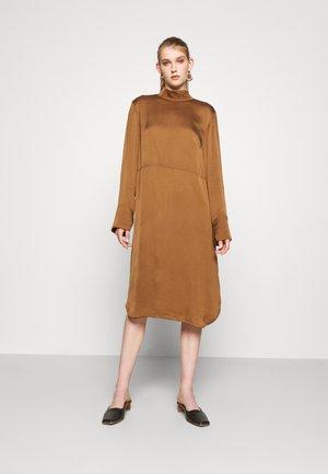 ABILITY - Day dress - cinnamon