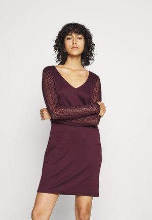 VIJENNIE V NECK MIXED DRESS - Jersey dress - winetasting