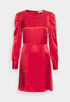 CLOSET LONDON PUFF SLEEVE DRESS - Juhlamekko - rust