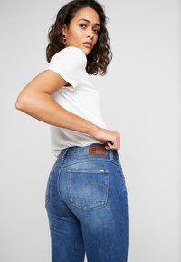G-Star - 3301 MID SKINNY - Jeans Skinny Fit - sun faded blue - 3