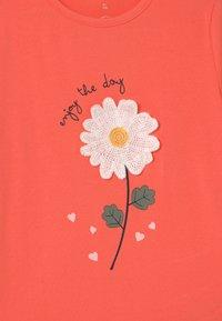 Name it - NMFDARUNA - Print T-shirt - persimmon - 2