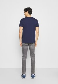 GANT - ARCHIVE SHIELD - T-shirt med print - evening blue - 2