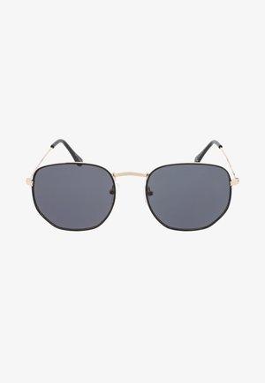 AUGUST - Sluneční brýle - black
