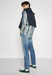 Ben Sherman - FLOCK TARGET - Sweatshirt - dark navy - 4
