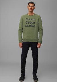 Marc O'Polo DENIM - Sweatshirt - utility olive - 1