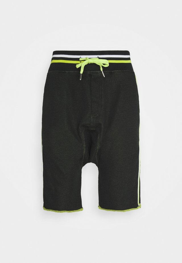 Shorts - matrix black/green/white