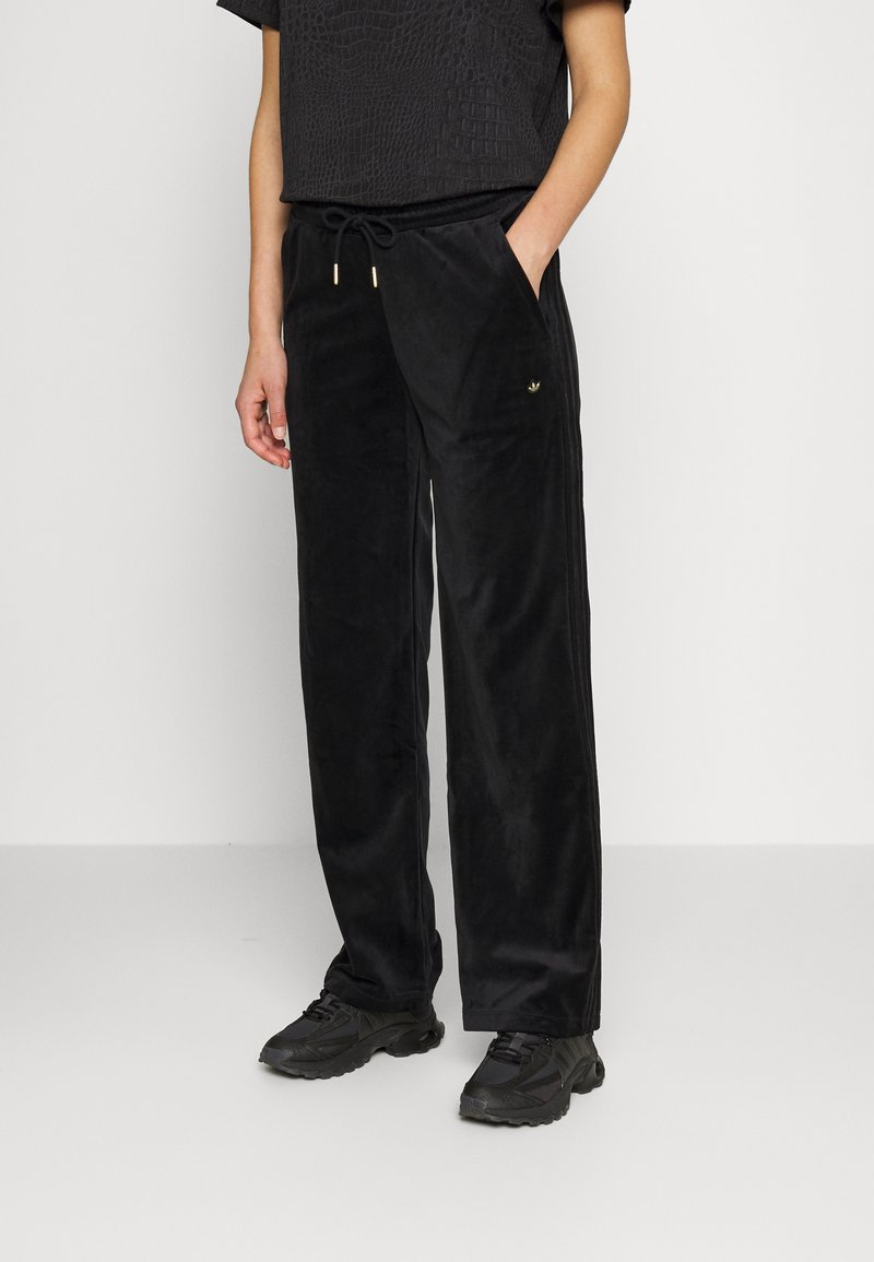 adidas Originals - VELVET PANTS - Joggebukse - black