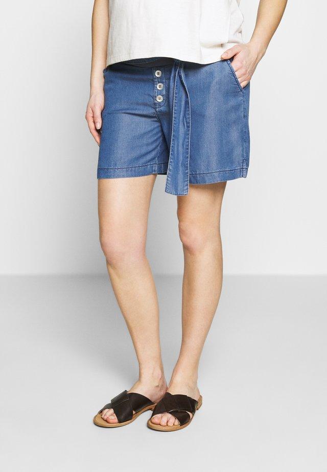 BERMUDA - Shorts - medium wash