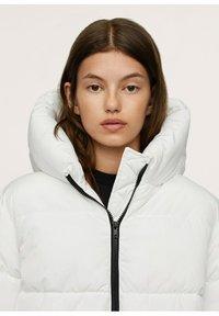 Mango - STEPP-ANORAK MIT KAPUZE - Winter coat - wit - 2