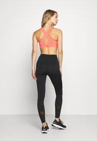 Sweaty Betty - ALL TRAIN SPORTS BRA - Sportovní podprsenka - fluro flash pink - 2