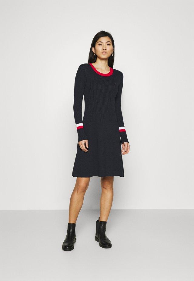 WARM FIT & FLARE DRESS - Pletené šaty - desert sky