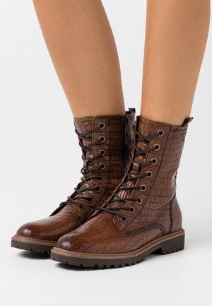 BOOTS - Šněrovací kotníkové boty - muscat