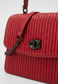 Coach - Kabelka - red apple - 4