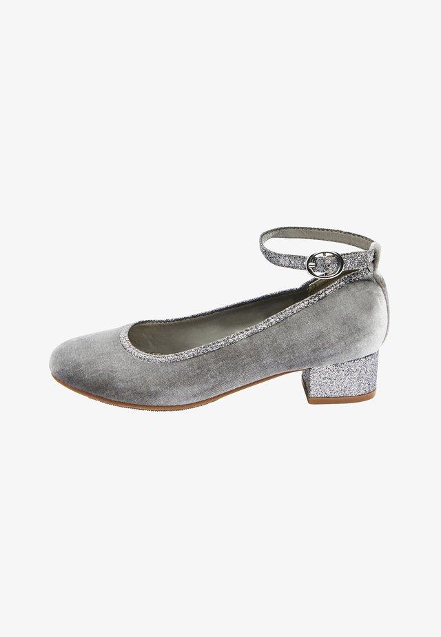 MARY JANE HEELS (OLDER) - Ballerine con cinturino - grey
