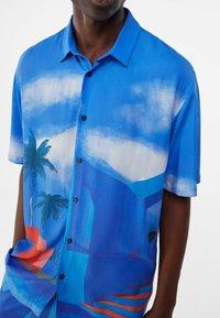 Bershka - RELAXED FIT - Shirt - blue - 3