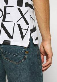 Armani Exchange - Koszulka polo - white/black - 3