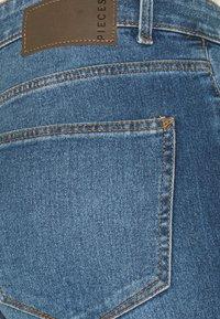 PIECES Tall - PCPEGGY  - Skinny džíny - medium blue denim - 4