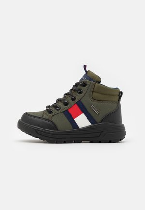 High-top trainers - military green