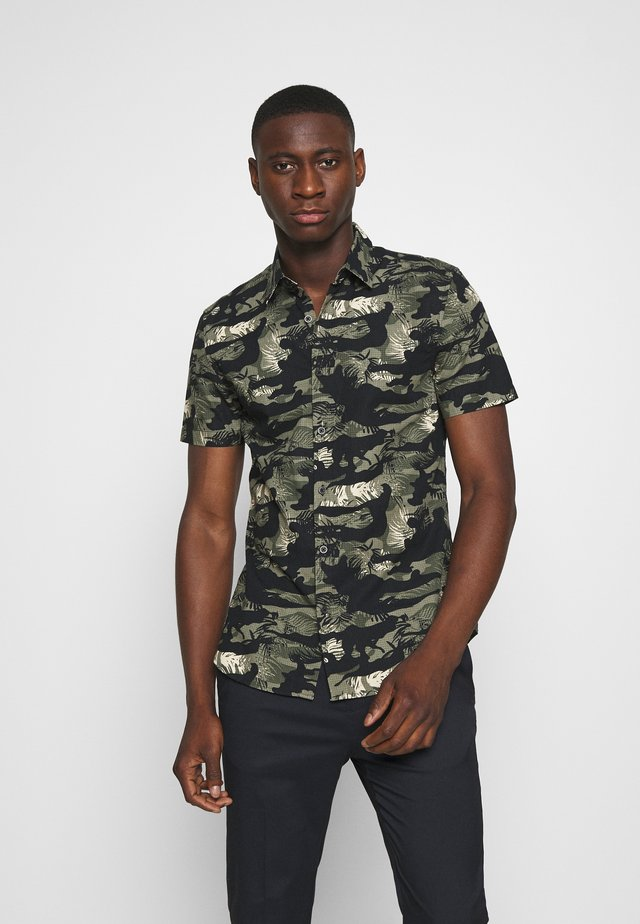 LEAFY CAMO RIPSTOP - Shirt - black