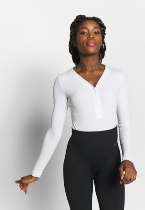 YOGA LUXE HENLEY BODYSUIT - Body deportivo - summit white