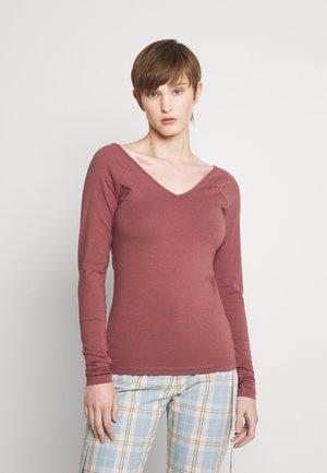 ONLFIFI V NECK BOX - Long sleeved top - rose brown
