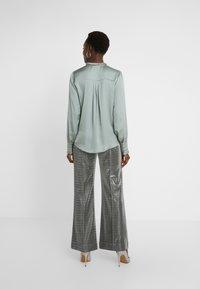 Bruuns Bazaar - BAUME ELIZABETH BLOUSE - Blouse - jade green - 2