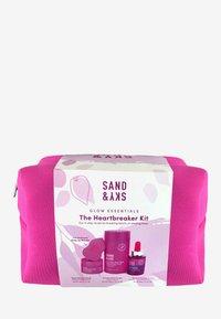 Sand&Sky - THE HEARTBREAKER KIT - Skincare set - - - 2