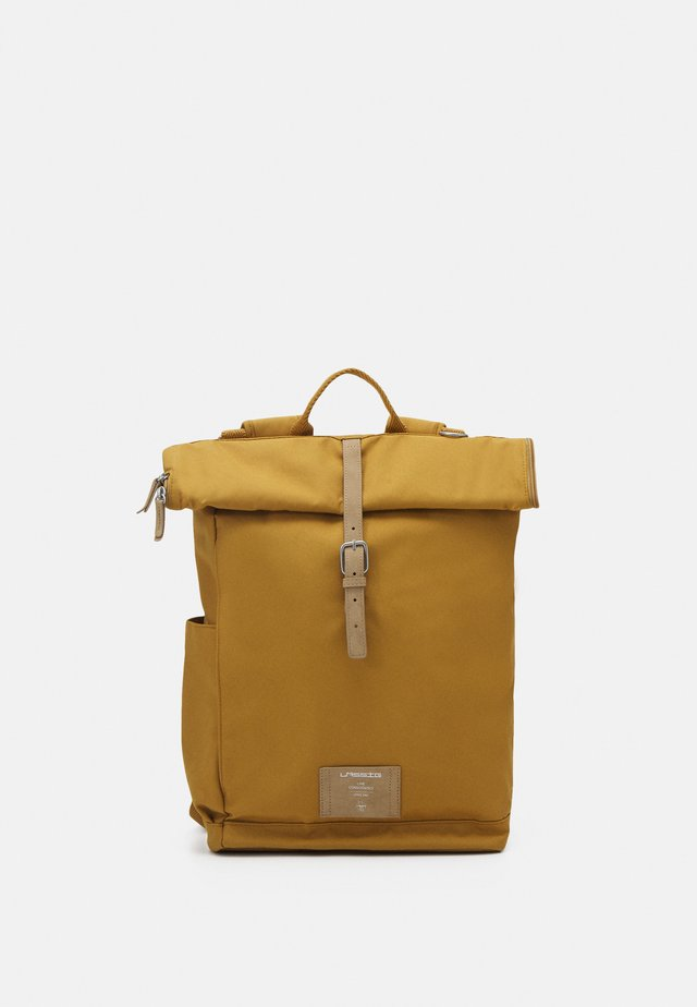 ROLLTOP BACKPACK SET - Rygsække - curry
