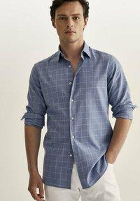 Massimo Dutti - SLIM FIT - Shirt - light blue - 0
