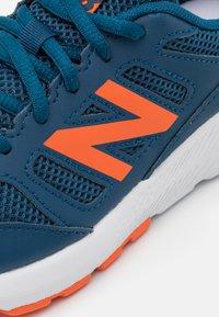 New Balance - 570 LACES UNISEX - Laufschuh Neutral - blue - 5