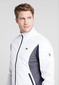 Lacoste Sport - TENNIS JACKET DJOKOVIC - Träningsjacka - white/navy blue - 3