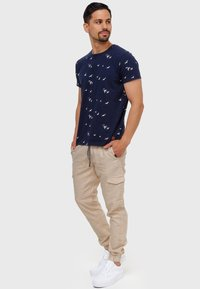 INDICODE JEANS - BOOTH - Cargo trousers - fog - 1